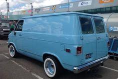 Mens Vans Shoes, Vans Men, Vw Variant, Dodge Ram Van, Chevrolet Van, Gmc Vans, Astro Van, Old School Vans, Camper Van Conversion Diy