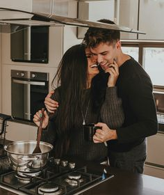 Cooking Book Cartoon - Cooking Tips - Cooking Together Drawing - - Easter Cooking With Kids - Cooking Photography Kitchen Photo Couple, Love Couple, Couple Goals, Sweet Couple, Kitchen Designs Photos, Kitchen Pictures, Cooking Photography, Couple Photography, Young Love Photography