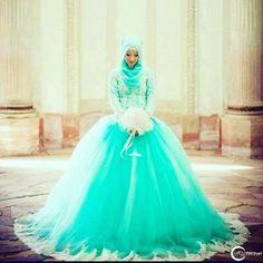 This post participates in #mwigiveaway. Follow @muslimweddingideas for wedding photography female photographers bridal hijab styles modest wedding dresses bridal henna vendor catering muslum weddings and much more !! GLuck :) #muslimweddingdress #hijab #whiteroses by cutsalsabila_94
