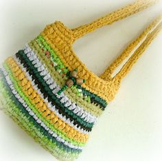 Eco friendly recycled bag crocheted fabric por MammaEarthCreations