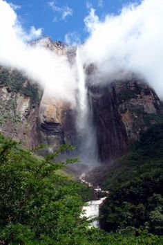 Angel Falls, Venezuela... I don't even have to explain the allure of this place. The tallest waterfall in the world, they say. Hell, i'd visit Angel Falls just for the sight...beautiful..