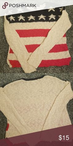 Forever 21 American flag sweater. Very soft. No unraveling of the knit. Perfect for showing your pride for the USA and looking cute. Forever 21 Sweaters Crew & Scoop Necks