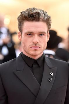 Sure, All the Fun Met Gala Looks Are Great, but Did You Catch Richard Madden's Smolder? Damp Hair Styles, Curly Hair Styles, Richard Madden Shirtless, Katy Perry Dress, Matthew Mcconaughey, Celebs, Celebrities, Glasgow, Beautiful Men