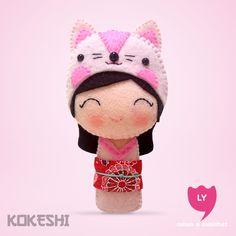 Curiosidade: Kokeshi (boneca em japonês) são bonecas de madeira produzidas artesanalmente. Sua primeira aparição foi em meados do período Edo (1600-1868), para serem vendidas como souvenir aos visitantes das fontes termais do nordeste do Japão. Elas...