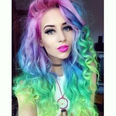 Rainbow hair gorgeous transition throughout her locks Vintage Hairstyles, Cute Hairstyles, Pastel Rainbow Hair, Colourful Hair, Crazy Colour, Dye My Hair, Different Hairstyles, About Hair, Alternative Fashion