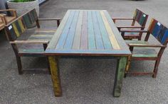 Teak gardenset with old paintrests on it