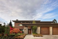 Contemporary Mercer Island lake house infused with Asian touches Facade Architecture, Residential Architecture, Style At Home, Cabin Design, House Design, Haus Am See, Modern Asian, American Houses, Facade House