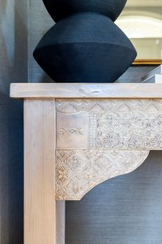 How To Make A DIY Carved Entryway Console Table Craft Projects For Kids, Cool Diy Projects, The Woodhouse, Entryway Console Table, Do It Yourself Projects, Diy Woodworking, Make And Sell, How To Introduce Yourself, Wood Crafts