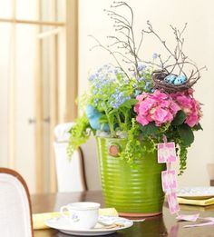 Gorgeous Mother's Day table centrepiece