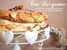 Tort Dacquoise - tort bezowy z kremem kajmakowym i bakaliami i 50.000 wejść :) - http://www.mytaste.pl/r/tort-dacquoise---tort-bezowy-z-kremem-kajmakowym-i-bakaliami-i-50-000-wej%C5%9B%C4%87-7920082.html