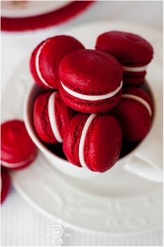 Red velvet almond MORENGA (Red Velvet Macarons) | Sunny kitchen