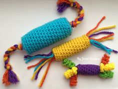 Crochet Toys Design By Jenni Designs: Free Crochet Pattern: Kitty Catnip Toys Chat Crochet, Crochet Cat Toys, Crochet Gratis, Crochet Toys Patterns, Stuffed Toys Patterns, Crochet Dolls, Crochet Yarn, Free Crochet, Crochet Designs