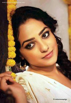 South Indian Actress, Beautiful Indian Actress, Beautiful Actresses, Sweet Girl Photo, Sweet Girls, Silk Smitha, Indian Eyes, Nithya Menen, Portrait Pictures