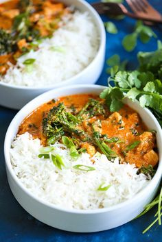 Easy Thai Red Curry – The easiest and most flavorful homemade Thai red curry you will ever make in just minutes! It tastes just like the restaurant-version, except times better and cheaper! Easy Thai Recipes, Damn Delicious Recipes, Indian Food Recipes, Vegetarian Recipes, Cooking Recipes, Ethnic Recipes, Thai Curry Sauce, Thai Chicken Curry, Red Thai Curry Vegetarian