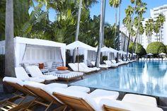 El mobiliario y los chillouts de la piscina del hotel Delano también han sido renovados