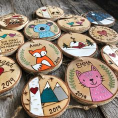 Wedding Gift - Bear Couple Ornament - Wood Slice Ornament - First Christmas Anniversary Engagement Ornament Gift - Hand Painted Polar Bears Wooden Ornaments, Christmas Ornaments, Engagement Ornaments, Wood Slice Crafts, Wood Craft Patterns, Free Hand Drawing, Christmas Signs Wood, Wood Slices, Painting On Wood