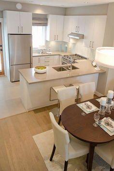 sala, cocina y comedor en casa pequeña