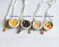 Polymer clay food cereal bowl cheerios fruit loops cornflakes cocoa puffs and m . Polymer clay food cereal bowl cheerios fruit loops cornflakes cocoa puffs and m … – Cute Polymer Clay, Cute Clay, Polymer Clay Miniatures, Polymer Clay Charms, Polymer Clay Projects, Polymer Clay Creations, Clay Crafts, Polymer Clay Jewelry, Friendship Necklaces