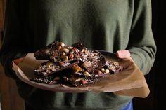 Better than butter : écorce au chocolat garnie Sans Gluten, Gluten Free, Sweet Tooth, Butter, Pudding, Chocolate, Healthy, Desserts, Vegetarian Cooking