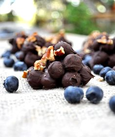 Dark Chocolate Blueberry Clusters   Fed and Fit ...wean yourself off the rest of the Halloween candy with these healthier sweet tooth satisfiers!