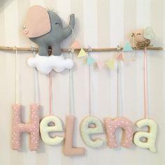 Mais uma Helena carioquinha. ❤️Estamos que nem as novelas do Maneco. #tudodeboone #portamaternidade #enfeitematernidade #decorbaby… Baby Name Decorations, Baby Decor, Kids Decor, Baby Crafts, Felt Crafts, Diy And Crafts, Baby Shower Parties, Baby Shower Gifts, Baby Frame