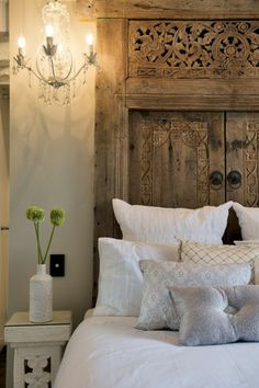 Memes bedrooms and beds on pinterest - Tete de lit porte ...