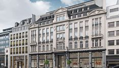 Originally opened in 1910 and shuttered since 2007, the hotel will reopen with 121 rooms in 2022 after a full-fledged renovation. Open Hotel, Trendy Bar, Commercial Architecture, Facade Design, Neoclassical, Grand Hotel, City Life, Screen Shot, Belgium