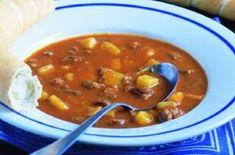 Gulášová polévka | Apetitonline.cz Czech Recipes, Ethnic Recipes, Goulash Soup, Soups And Stews, Farmers Market, Ham, Chili, Curry, Food And Drink