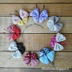 Ho trovato questa bella idea nel web qui , non credevo fosse così carina una… Fabric Butterfly, Fabric Flowers, Gothic Hippie, Sewing Crafts, Sewing Projects, Little Presents, Shabby Chic Pink, Rustic Flowers, Creation Couture