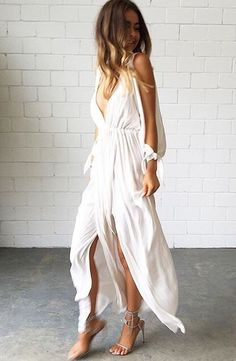 Maxi dress, flowy and boho vibes