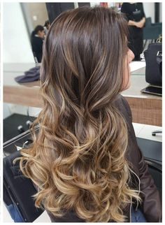 Hairdressing Advice That Will Keep Your Hair Looking Great – Hair Wonders Ombre Hair Color, Hair Color Balayage, Hair Color For Black Hair, Brown Blonde Hair, Brunette Hair, Balayage Brunette Long, Cabelo Ombre Hair, Curls For Long Hair, Gorgeous Hair