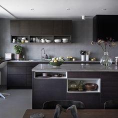 Bistro ask brunbets Open Plan Kitchen Living Room, Kitchen Room Design, Kitchen Cabinet Design, Home Decor Kitchen, Interior Design Kitchen, Bistro Kitchen, Kitchen Dining, Design Apartment, Kitchen Worktop