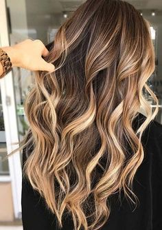 31 Perfections of Brunette Balayage Highlights für 2018 Egal welche . - Frisuren Damen 31 Perfections of Brunette Balayage Highlights for 2018 Egal welche . - forts And Beauty Ash Brown Hair Color, Brown Blonde Hair, Cool Hair Color, Brown Curls, Hair Colour, Grey Hair, Black Hair, Long Hair Colors, Caramel Brown Hair