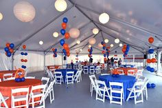 Red and Blue Balloon Centerpieces. Very simple balloon centerpieces to bring corporate colors to the colorless space and make it a little more color - balanced. Balloon Centerpieces, Balloon Decorations, Balloon Display, Blue Balloons, Company Picnic, Color Balance, Outdoor Parties, Corporate Events, Red And Blue