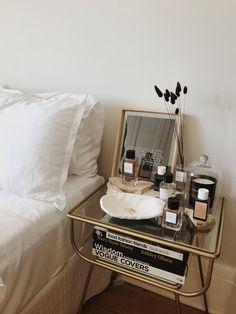 Home Decor Bedroom .Home Decor Bedroom My New Room, My Room, Bedside Table Styling, Bedside Table Decor, Bedside Table Inspiration, Bedside Table Organization, Home Interior, Interior Design, Interior Livingroom