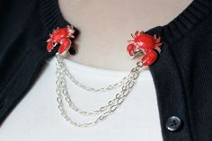 How-to: Crab Grabby Sweater Chain at HandsOccupied.com #crafts #vintage #jewelry