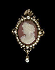Victorian pearl cameo