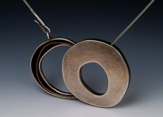 Another piece by the same artist, purchased online after she received their newsletter featuring newly completed works Metal Necklaces, Metal Jewelry, Jewelry Art, Silver Jewelry, Jewelry Necklaces, Jewelry Design, Unique Necklaces, Contemporary Jewellery, Modern Jewelry