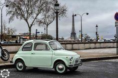 #Fiat #500 devant la #Tour #Eiffel à la Traversée de #Paris hivernale 2016…
