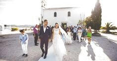 read out about one of the Rhea Costa bride's story of her special day and of her special made-to-measure dress. She looked stunning and her wedding even more. Inspiring Things, Looking Stunning, Costa, Dream Wedding, In This Moment, Weddings, Bride, Blog, Dresses