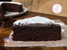 La torta senza ciotola al cioccolato buonissima, davvero semplice da realizzare, non si sporca niente ed è preparata senza uova, senza latte e senza lievito