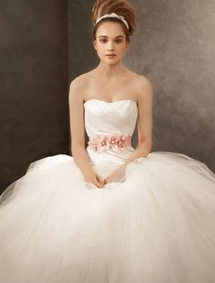 Vestidos para noivas do signo de Câncer | Noiva.com por Gabrieli Chanas