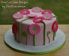 Daisy Cake (Take II) by Creative Cake Designs (Christina), via Flickr