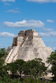 Anicent Pirámide Maya  en Uxmal, Yucatán, México