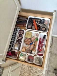 Makeup Drawer Organization: found my weekend project!!