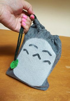 totoro bag :)this would be a great idea to make for favors or just to have a craft making party with/for