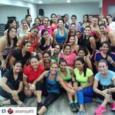 #Repost @asanojafit Una clase super full y llena de energia. Gracias chicas por bailar al ritmo de Zumba @powerclubpanama Soho #CualEsTuExcusa #YoBailoEnPowerClub