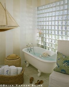 As always: I don't care how seventies it is, glass bricks are a great and multifariously practical way to get some light into a bathroom.