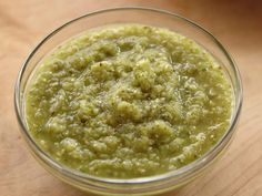 PIONEER WOMAN- Roasted Tomatillo Sauce recipe from Ree Drummond via Food Network. Great in FREEZER. Great in enchiladas, black beans, can tortilla soup, & for chip dip Tomitillo Recipes, Sauce Recipes, Food Network Recipes, Gourmet Recipes, Mexican Food Recipes, Food Processor Recipes, Cooking Recipes, Healthy Recipes, Recipies
