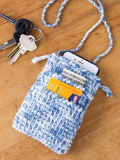 We are loving this pattern for a phone, money and credit card holder in the latest issue of Crochet World - Crochet patterns to download (aff link)